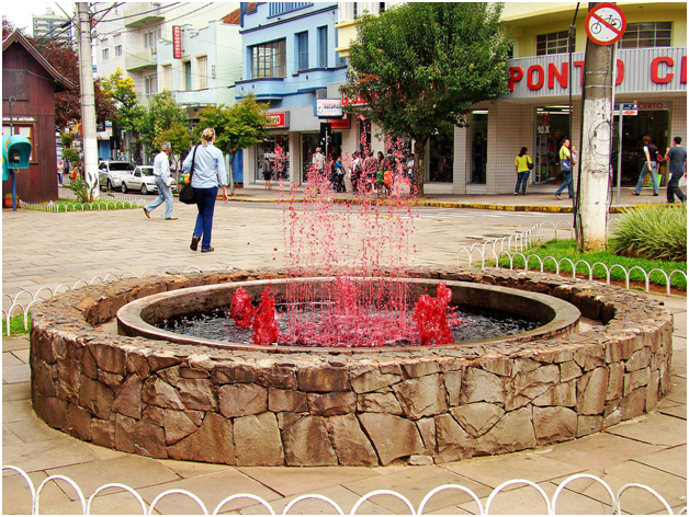 italian-town-unveils-24-hour-a-day-free-wine-fountain