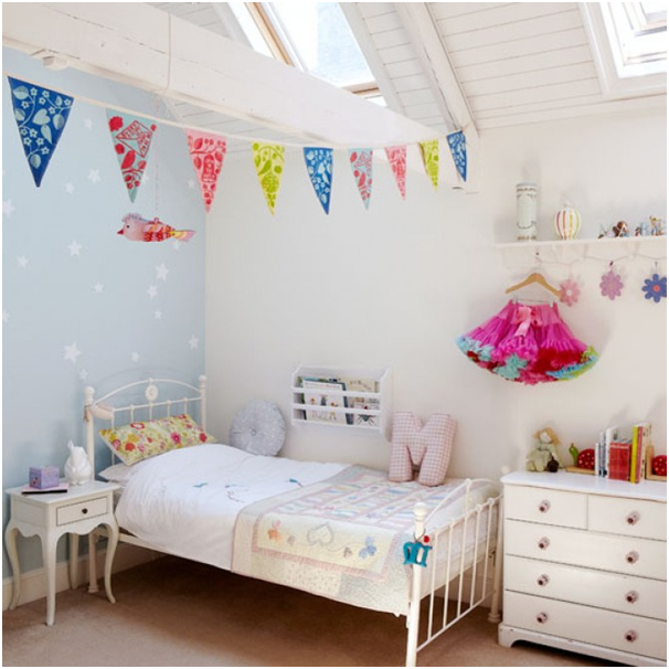 creative-kids-getting-your-child-to-help-decorate